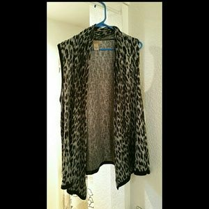 Art And Soul Sweaters - Art and Soul leopard print cardigan